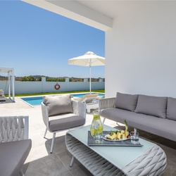 Gaia Palace - Villa with private pool